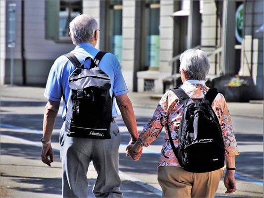 50岁重大疾病保险该怎么买?哪个好?