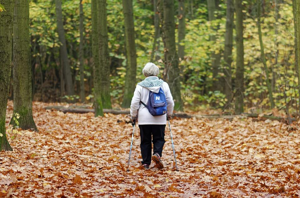 购买老年防癌险的意义?老年防癌险与重疾险的区别?