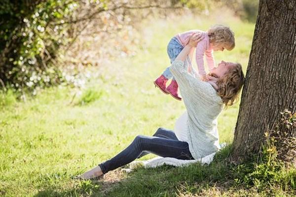 给孩子买重疾险哪个好?考虑终身的还是定期的?