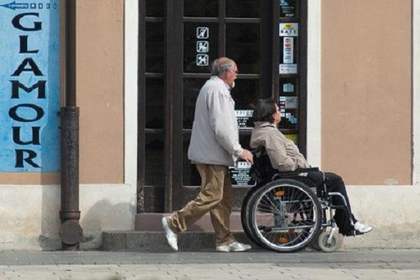 高端医疗保险比较哪家好?高端医疗保险的优势是什么?