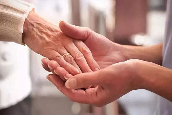 返本老年防癌险哪款好?筛选标准是什么?