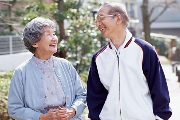 60岁如何购买防癌险?60岁买防癌险要注意什么?