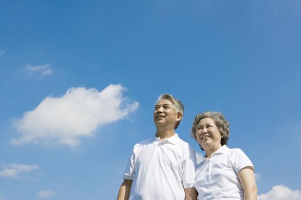 三款老年人防癌险对比测评哪个好?如何选择老年人防癌险?